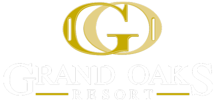 The Grand Oaks Resort Logo